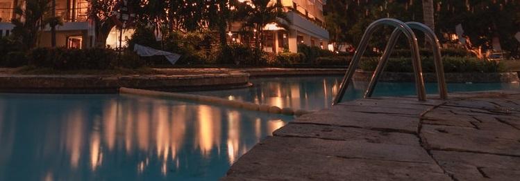 pool contractors Naples